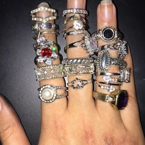 Jewelry - Lot of 21 rings